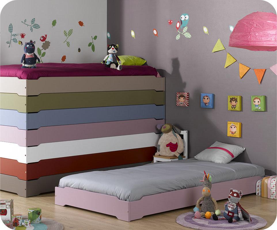 Camas apilables en color lila con somier incluido - Somier para ninos ...