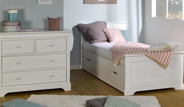Como amueblar una habitacion pequea como decorar una habitacion pequea matrimonial dormitorios - Como amueblar una habitacion juvenil pequena ...