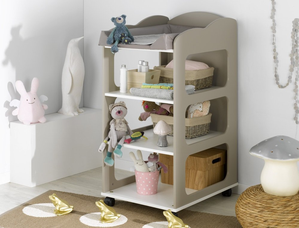 Venta de mueble cambiador con estantes y ruedas color lino for Mueble cambiador prenatal